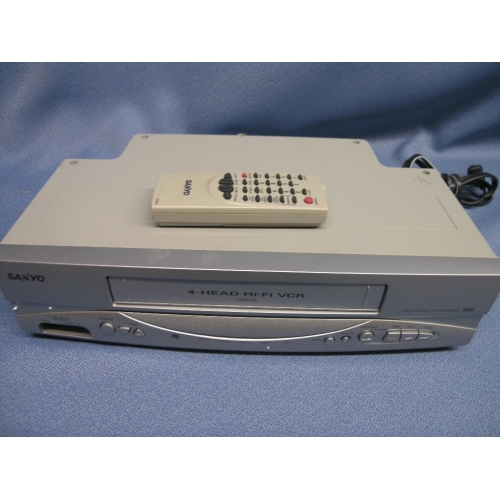 Magnavox CMWV405 VCR Player VHS - Allsold ca - Buy & Sell Used