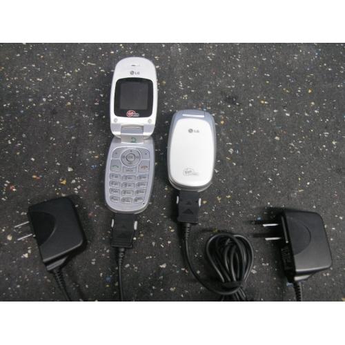 LG Virgin Mobile LX140 Grey White CDMA Clamshell Flip Cell Phone