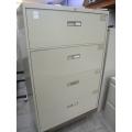 4-Drawer Beige File Cabinet 36x18x52 - Locking