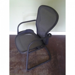 Herman Miller Aeron Sleigh Office Reception Guest Chair w Arms