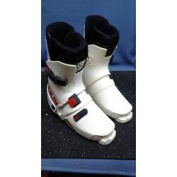 Saloman SX81 Size 330 Ladies Ski Boots