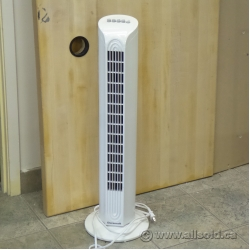 White Duracraft Oscillating Tower Fan