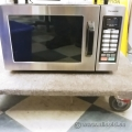 Chrome Panasonic Commercial Grade Microwave Oven