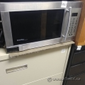 Danby Designer Stainless Steel 1000W 1.1cu ft Microwave Oven