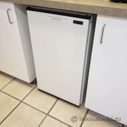 White Under Counter Bar Fridge w/ Freezer