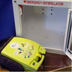Zoll AED Plus Fully-Automatic Defibrillator w/ Case