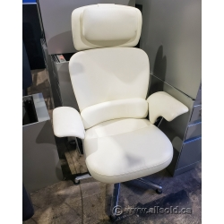White Steelcase Leap WorkLounge Chair