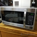 Danby 1.1 cu. ft. 1000W Microwave, Stainless Steel