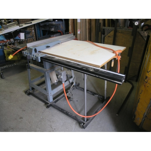 Delta 10 Contractors Table Saw W Delta Unifence Guide Buy Sell Used Office
