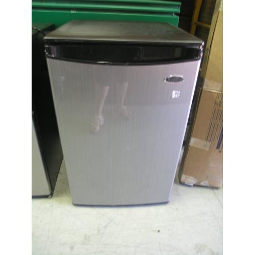 Whirlpool Energy Star 174 Compact Refrigerator Allsold Ca