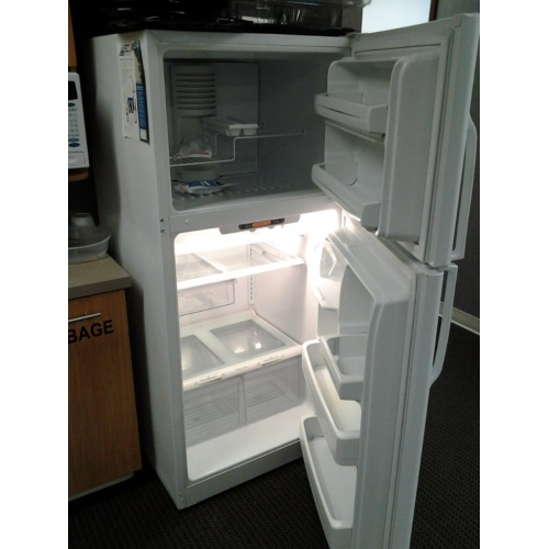 Ge Evolution White Refrigerator Fridge W Top Freezer