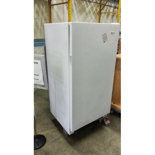 White Westinghouse Upright Freezer Apx 19 Cu Allsold Ca