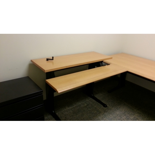 Sugar Maple With Black Base 3 Pc Table Suite Height
