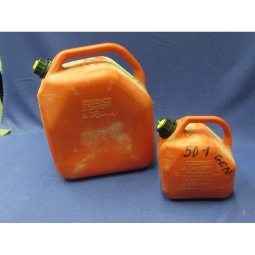 Lot Of 2 Ventless Gas Fuel Jerry Cans 5 And 25 Liter