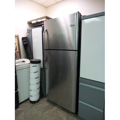 frigidaire 21 cu ft stainless steel top freezer refrigerator buy sell used. Black Bedroom Furniture Sets. Home Design Ideas