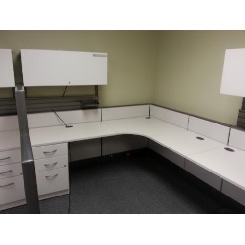 Original  Pod Workstation Office Desks With Screens Metal Frame Desk Dividers