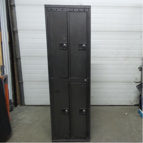 Bank Of 4 Commercial Storage Lockers 24 5 Quot X 21 5 Quot X 81