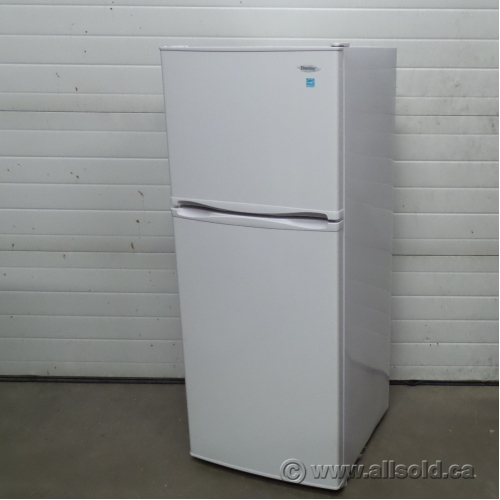 danby white compact 10 cu ft top freezer refrigerator fridge buy sell used. Black Bedroom Furniture Sets. Home Design Ideas