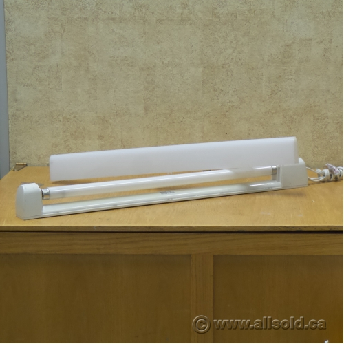 "White 29"" Fluorescent Under Cabinet Light, Switched"