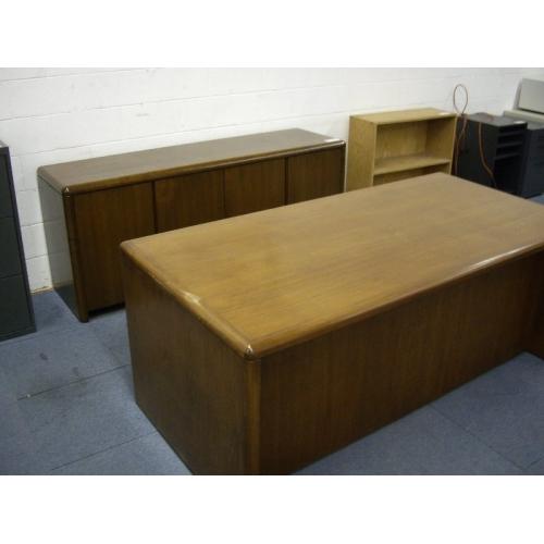 Oak Executive Desk Amp Credenza Allsold Ca Buy Amp Sell