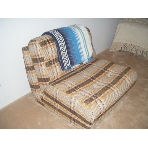 Fold Up Chair Converts to single Bed - Allsold.ca - Buy & Sell Used ...