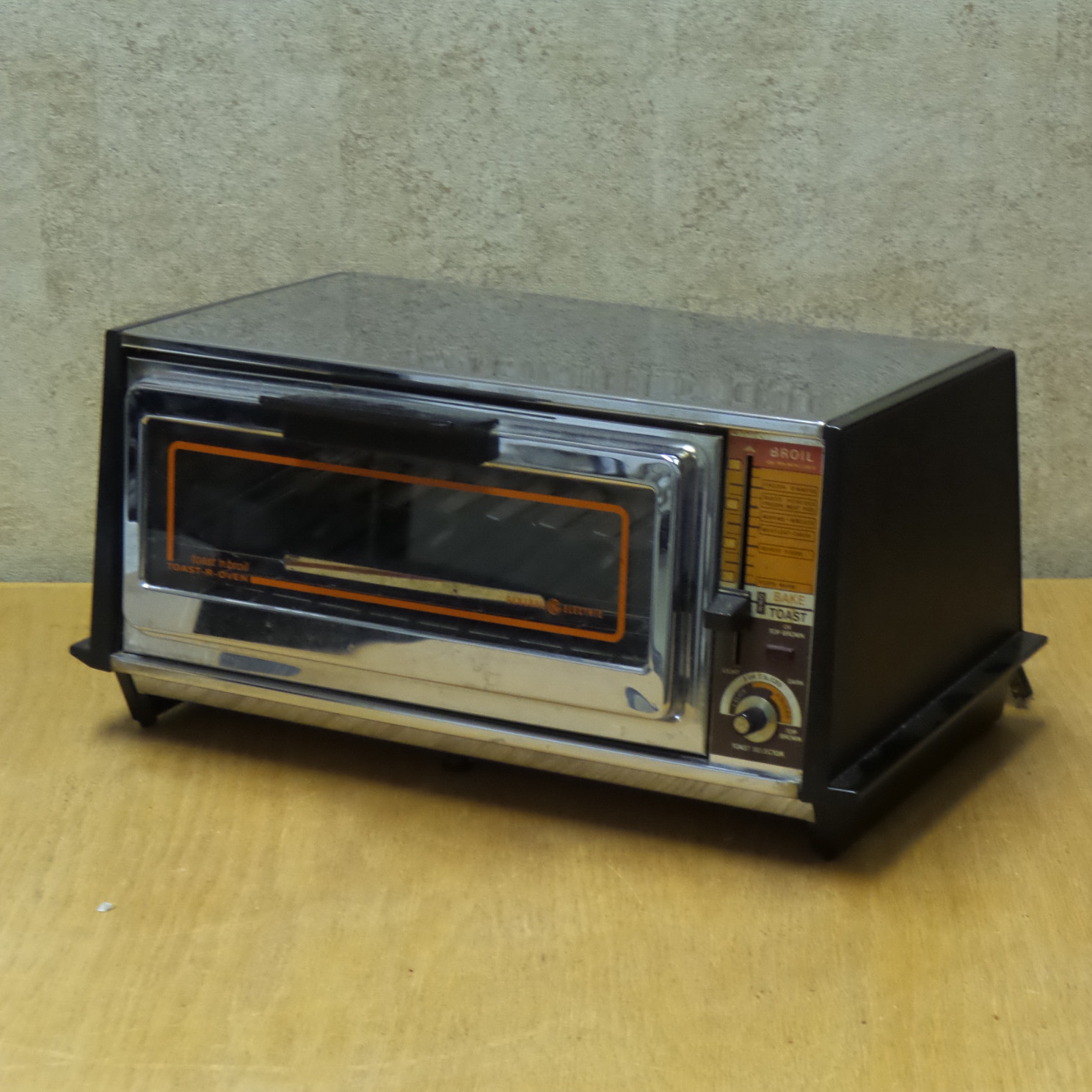 Old Ge Toaster Ovens ~ Vintage general electric toast n broil toaster oven